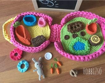 Crochet  dollhouse, travel game