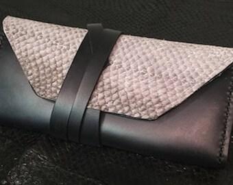 Fiskur leather clutch purse