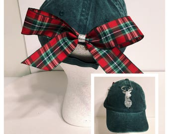 Deer hat with removable bow