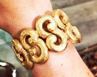 Vtg gold scroll cuff