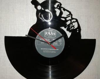 Upcycling records-wall clock from vinyl - motive monkey