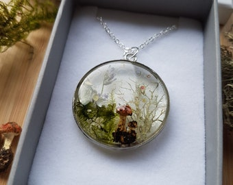 Forest Treasures Necklace