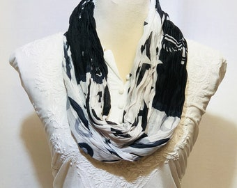 Black and white scarf | summer collection | lightweight | handwoven