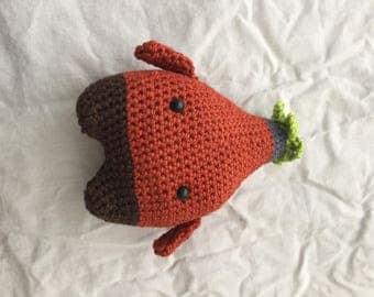 Crochet rose hip