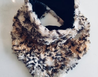 Bandana/scarf with leopard faux fur Velcro