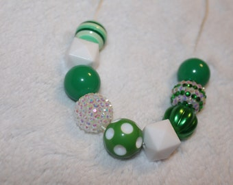 Chunky Bubblegum Necklace - Green/White