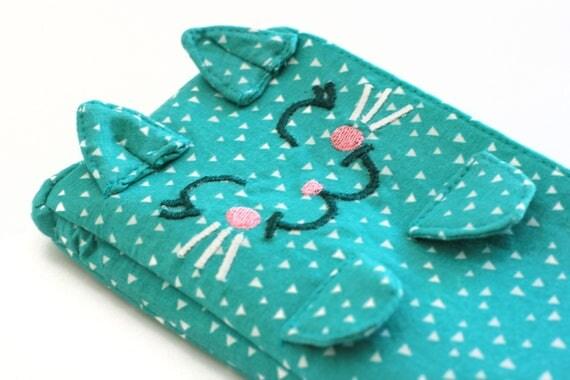 Kitten Clutch / Victoria. Teal green clutch. Cat lady gift. Cat bag. Kitten purse. Wristlet clutch. Teal small clutch. Cute wristlet.