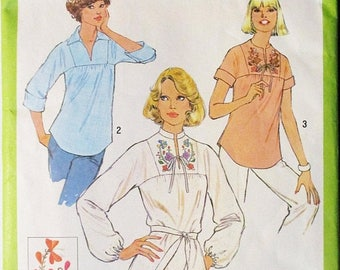 60% OFF SALE 1970s Vintage Sewing Pattern Simplicity 8262 Misses Pullover Blouse Pattern Size 10 Bust 32 1/2
