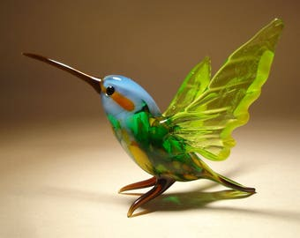 Handmade Blown Glass Art Green HUMMINGBIRD Bird Figurine with a  Blue Head