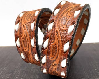 Western Tooled Leather Dog Collar with Contrasting Stitching // Size M // to fit a 14-17 Neck // Medium Dog // OOAK // Seattle Handmade