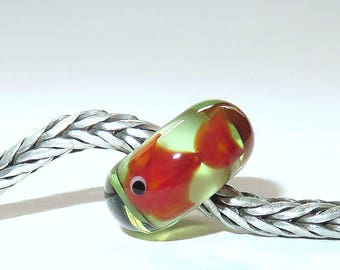 Luccicare Lampwork Bead - Fish on Green -  Lined with Sterling Silver