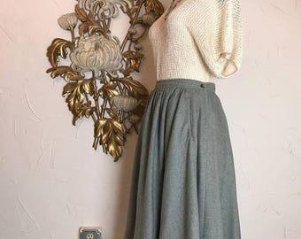 1980s skirt full skirt wool skirt liz claiborne skirt size medium vintage skirt 27 waist skirt with pockets green skirt 80s does the 50s
