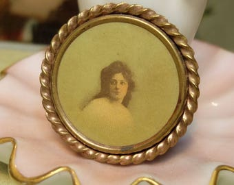 Antique Portrait Pin Woman