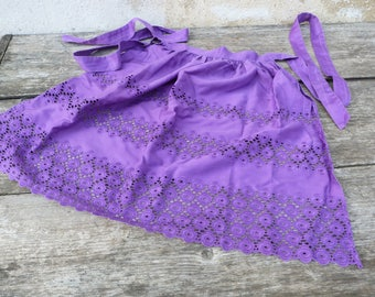 Vintage 1970/70s Tyrol Austria Trachten dirndl purple eyelet embroidered cotton apron