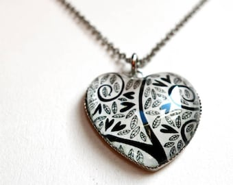 Heart Necklace, black hearts COe123