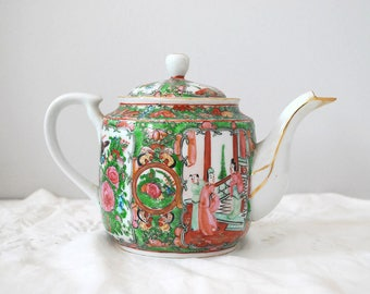 Chinese Porcelain Teapot, Vintage Chinoiserie, Rose Medallion Famille Rose, Hand Painted Ceramic Teapot, Asian Decor