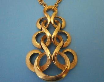 Vintage Crown Trifari Necklace with large pendant