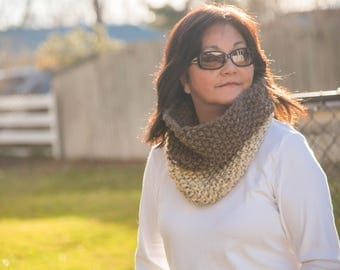 Knit Cowl, Two Color Knit Cowl Scarf / Chunky Knit Cowl / Barley and Oatmeal