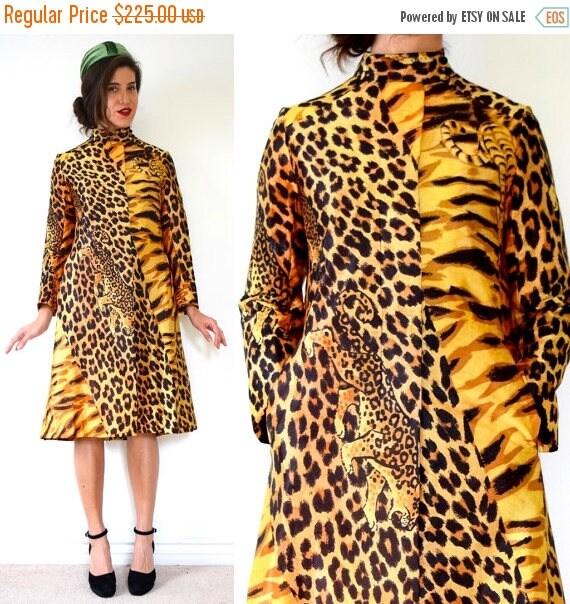 SUMMER SALE / 20% off Vintage 60s 70s Jungle Cat Print Rain Coat (size small, medium)