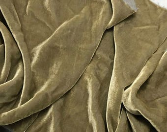 Iridescent Gray Gold Silk Velvet Fabric - fat 1/4