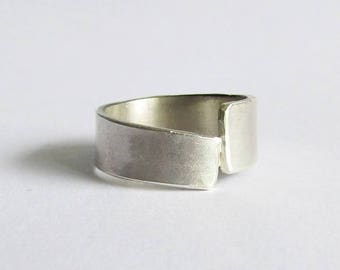 Modern Sterling Silver Offset Ring - Size 8 Ring - 25th Anniversary Gift - Modern Bohemian Ring - Statement Ring
