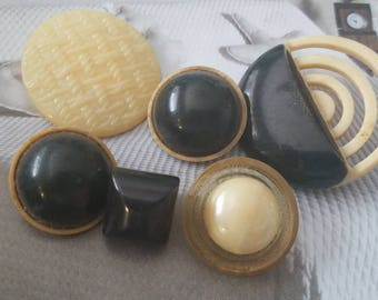 Vintage Buttons - Lot of 6 Mid Century Modern assorted apple juice, off white and black novelty, Bakelite, celluloid, novelty, (feb 493 18)
