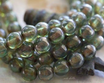 AQUARIUM DRUKS 6mm .. 30 Picasso Czech Druk Glass Beads 6mm (5809-st)