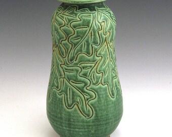 Carved Oak Leaf Pattern Green Vase/SHIPPING INCLUDED