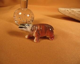 MINIATURE HIPPOPOTAMUS,Hippo figurine, 1 inch hippopotamus of Cermamic,1950 Hippopotamus of fine bone china,little ceramic Hippo, baby hippo