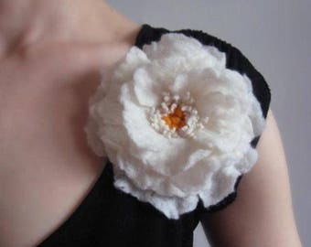 Flower brooch,White Felt flower,Brooch pin