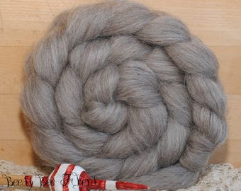 OATMEAL BFL Soft Undyed Blue Face Leicester Natural Combed Top Natural Wool Roving Spinning Felting Dyeing fiber - 4 oz