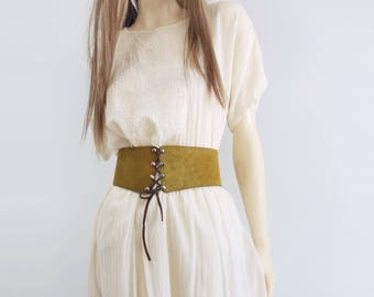 Vintage Corset Belt 70s Corset Belt Boho Suede Belt 70s Laced Suede Belt Tan Suede Belt Wide Leather Belt 70s Hippie Belt Laced Leather L
