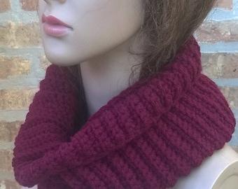 Crochet Cowl, Cowl Scarf, Chunky Crochet Cowl, Neckwarmer, Infinity Scarf, Cowl, Scarf, Winter Scarf, Womens Scarf, Cranberry Scarf