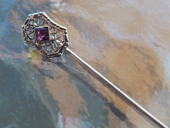 Antique Art Deco 10k white gold filigree square cut purple amethyst stick pin / stickpin / lapel pin / tie pin / tie tack / brooch