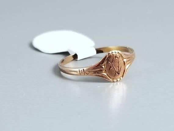 Antique Edwardian baby ring, signet, letter V, midi ring, knuckle ring, 10k rose gold, christening, baptism, baby gift, baby shower, sz 1.5