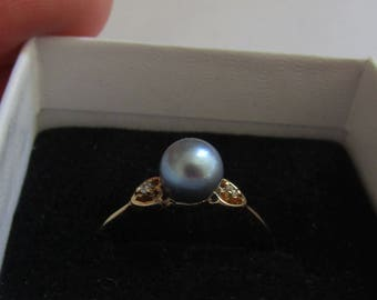 Beautiful Black Pearl & Diamond Ring, solid 10K Y Gold size 7.25, free US first class shipping on vintage items