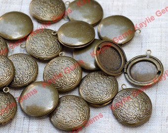 Sale - 20pcs 20mm Antique Brass Round Locket Charm Pendant Victorian Style