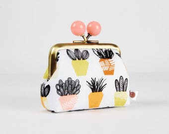 Metal frame coin purse with color bobbles - Terra in twig - Color mum / Succulent / Erin McMorris / Plants / brown yellow peach lime black