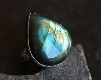 Labradorite Ring - Sterling Silver Ring - Size 7 - Rainbow - Green - Gold - Blue - Handmade - Xmas Gift - Labradorite Jewelry