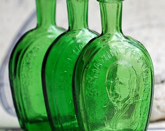 Benjamin Franklin, beautiful green miniature bottle, from an estate sale, Home decor, collectibles, Photo PROP, coolvintage, UA