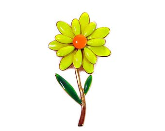 1960s Yellow Orange & Green Enamel on Gold Plate Daisy Flower Floral Vintage Pin Brooch