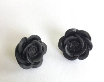 Black roses stud earrings. Flower earrings. Bridal party. Black floral jewelry. Best friend jewelry. Gifts for girls. Gifts under 10.