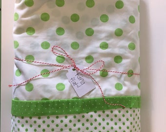 Vintage King Flat Sheet Green Polka Dots Perfect condition!