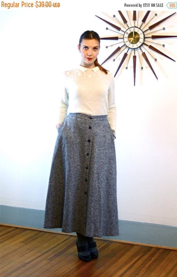SALE 50% OFF Vintage 80s Tweed Wool Skirt ORVIS High Waisted A-Line Nubby Black & White Twill Long Below the Knee Full Flared 1980s Preppy H