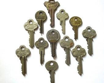 12 Vintage keys Old keys Antique keys Old house keys Rustic surfaces Great keys Variety of keys Steampunk keys Interesting writing  A1 #6