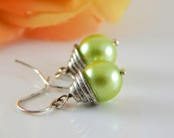 Retro Style Green Earrings