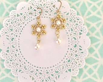 White and gold bridal earrings. winter wedding jewelry for brides and bridesmaids. Dainty snowflake winter wedding jewelry