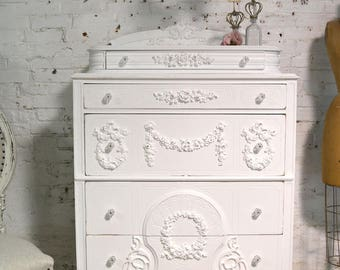 Painted Cottage Chic Shabby French Dresser / Chest CH906