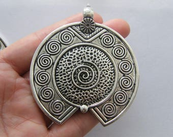 1 Pendant antique silver tone M898