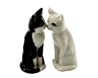Cat cake topper, hand crafted Australian pottery by Anita Reay AnitaReayArt Woodland wedding cats cake topper tuxedo cat white cat